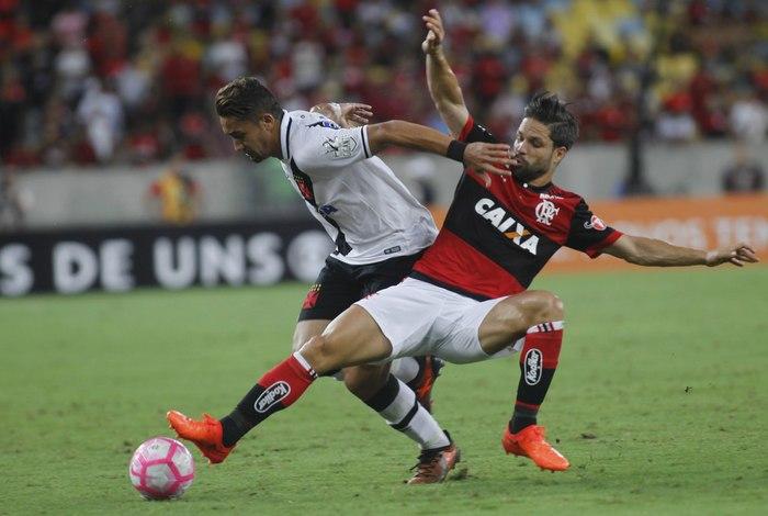 Flamengo e Vasco empatam clássico no Maracanã pelo Campeonato Brasileiro 10256930cfafa